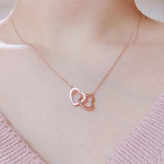 Korean Accessories and Hairstyles 2017 - Official Korean Fashion Gold Jewelry Simple, Stylish Jewelry, Cute Jewelry, Geek Jewelry, Korean Accessories, Jewelry Accessories, Fashion Accessories, Fashion Necklace, Fashion Jewelry