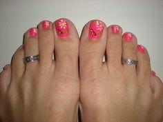 July Happy Hot Pink Daisy Toes nail art design