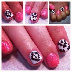 Aztec Nails #gelnails #nailart #sparkle