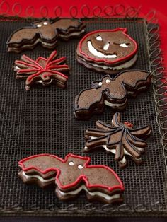 Spooky cookies....  http://www.redbookmag.com/_mobile/recipes-home/tips-advice/halloween-dessert-recipes