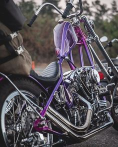 Old Classic Harley-Davidson Motorcycles Classic Harley Davidson, Harley Davidson Chopper, Harley Davidson Motorcycles, Custom Choppers, Custom Motorcycles, Custom Bikes, Sportster Chopper, Chopper Motorcycle, Motorcycle Garage