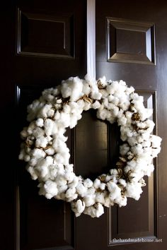 Link shows how to make this tightly packed cotton wreath for fall and/or winter.