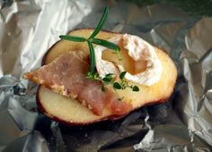 Baked potatoes with bacon and herbs