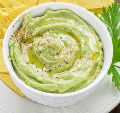 Pasta de avocado cu branza