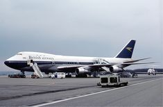 Old British Airways 747-100 With the old BOAC livery and Speedbird on the tail.