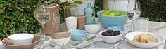 Ook zo'n zin in de zomer? Check dit handgemaakte aardewerk servies uit Portugal, een topper voor de komende zomer op het terras.