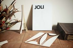 Wedding invitation designed by Gratstudio, manufactured by Crear Lab - Invitación de boda diseñada por Gratstudio, fabricada por Crear Lab - Invitació de casament dissenyada per Gratstudio, fabricada per Crear Lab.  Més info a: http://www.gratstudio.com/joli-jordi-lisa/