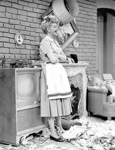 Funny I Love Lucy screencap.