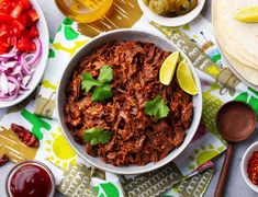 Trhané hovězí maso Supper Recipes, Top Recipes, Mexican Food Recipes, Beef Recipes, Chicken Recipes, Ethnic Recipes, Mexican Dishes, Shredded Beef Tacos, Mexican Shredded Beef