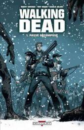 Walking Dead se déroule dans un monde envahi par les morts-vivants. L'origine du phénomène demeure inconnue. Rick Grimes, le héros, tente tant bien que mal de faire survivre son groupe de rescapés dans ce monde hostile et effrayant, cherchant le refuge idéal, l'endroit qu'ils pourront appeler foyer. Au fur et à mesure que la série avance, les personnages vont évoluer, progresser ; certaines affinités vont alors se créer ainsi que certaines tensions