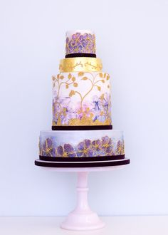 This luxurious watercolor cake. 25 Incredibly Beautiful Wedding Cakes That Won 2015 Beautiful Wedding Cakes, Gorgeous Cakes, Pretty Cakes, Amazing Cakes, Metallic Wedding Cakes, Painted Wedding Cake, Cake Wedding, Lilac Wedding, Gift Wedding