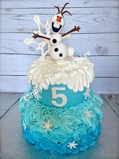 Disney's Frozen - Olaf I like the bottom layer on this one Frozen 3rd Birthday, Olaf Birthday, Frozen Birthday Party, 2nd Birthday Parties, Birthday Ideas, Disney Frozen Cake, Frozen Theme, Cupcakes Princesas, Disney Themed Cakes