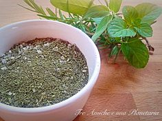 Come essiccare le erbe aromatiche nel microonde Vegetable Side Dishes, How To Dry Basil, Cooking Recipes, Herbs, Homemade, Food, Microwave, Anna, Crafty