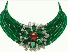 @leyla_ozakbas. Green Envy emeralds beads choker, necklace.