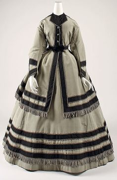 Wedding ensemble 1866-69 met museum
