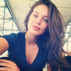emily-selfie.jpg (640×640)