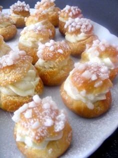 Mini choux à la crème chantilly www.verychantilly.com
