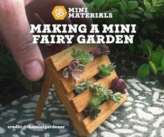 What is a fairy garden? A fairy garden is a mini gardenwith realistic looking pieces and live plants.When it comes to realistic looking miniature construction