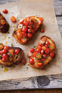 Tomato Bruschetta _ Classic Bruschetta demands the best-quality ingredients. Use a crusty coarse bread _ Bruschetta, at its simplest, is grilled bread rubbed with garlic and drizzled with olive oil, but it can also be prepared with a variety of toppings. I Love Food, Good Food, Yummy Food, Delicious Dishes, Food For Thought, Tomato Bruschetta, Bruschetta Bread, How To Make Bruschetta, Cooking Recipes
