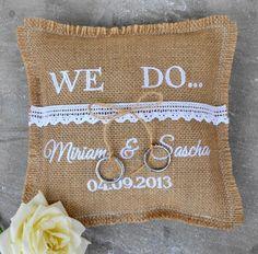 Ringkissen aus Jute mit Stickung, Hochzeit, Brautpaar / wedding ring pillow made of jute with names of bride and groom made by Textile Kleinigkeiten via DaWanda.com