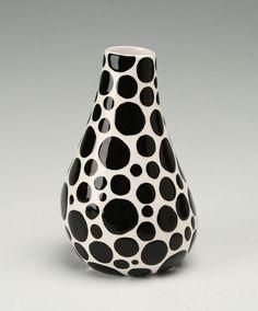 Vase Black Polka Dot Hand Painted Organic par owlcreekceramics, $20.00 Black Dots, Big Black, Organic Shapes, Earthenware, Brushes, Tiles, Polka Dots, Decorating Ideas, Hand Painted