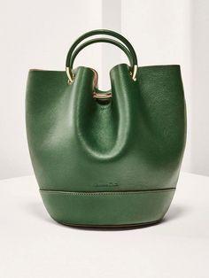 5da6dbd68c Sac vert pour femme. Pour la majorité des femmes, obtenir un sac de créateur