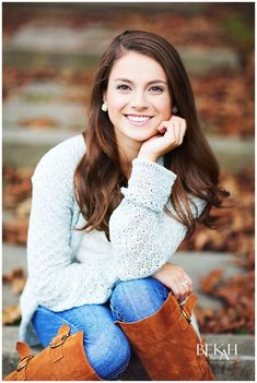 fashionposes photography portraits creative wagepon senior ideas ways 25 to 25 Creative Ways to Senior Portraits Photography Ideas fashionposes Wagepon IdeasYou can find Senior portrait poses and more on our website Senior Picture Poses, Fall Senior Pictures, Senior Portraits Girl, Fall Portraits, Senior Photos Girls, Senior Girl Poses, Senior Portrait Photography, Senior Girls, Photography Ideas