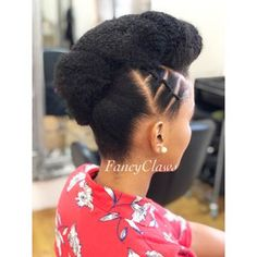 please contact us for bookings, prices or any enquirers 0712093250 Address: 15 hurst grove musgrave, Durban NO DM please ❤️ African Braids Hairstyles, Twist Hairstyles, Curly Hair Styles, Natural Hair Styles, Natural Wedding Hairstyles, Natural Hair Braids, Pelo Natural, Pinterest Hair, My Hairstyle