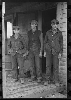 buffalo-divine-eden-no7: Alfred Atkinson and two of the eldest sons, near Shannon City, Ringgold County, Iowa. Ca. December, 1936.