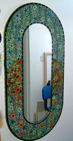 Elaine Prunty Jaboobee Mosaic Mirror [L] Mirror Mosaic, Mosaic Diy, Mosaic Crafts, Mosaic Projects, Mosaic Glass, Mosaic Tiles, Stained Glass, Glass Art, Mosaics