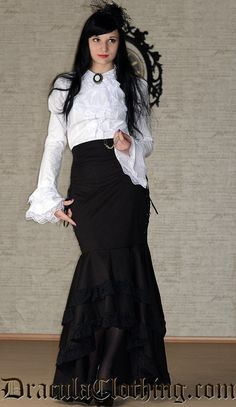 This is the perfect blouse for steampunk, victorian and goth outfits, with or without a corset. The cravat is detachable, so you can dress this blouse up or down.<p>The blouse can be worn with a brooch, like in the picture. This is bought separately.<p>95 % cotton, 5 % polyester.<p><br /> This DraculaClothing original is designed by Truls Stokka.<p><br />
