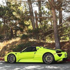 Acid Green Porsche 918 Spyder