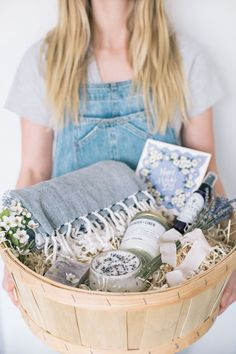 Mother's Day Lavender Basket + DIY Lavender Body Scrub - Beauty, Holiday, Home Goods, Hosting, Uncategorized