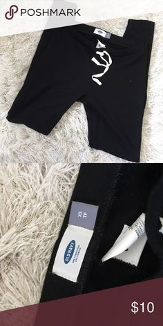 Old Navy black joggers. Size XS. Never worn. Perfect for lounging or working out they are super comfy and in perfect condition as they were never worn. Old Navy Pants