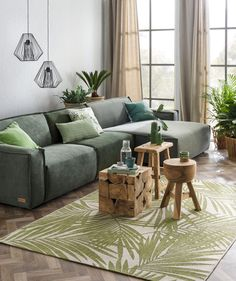 Groen is dé trendkleur van 2017. Planten zijn altijd een goed idee om je huis groener te maken, maar wat kun je nog meer met deze kleur? Wij geven je tips.