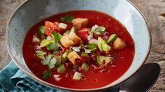 Wij vroegen chefs wereldwijd naar hun favoriete soeprecepturen en -ervaringen. Ontdek samen met ons 's werelds bijzonderste soepen.