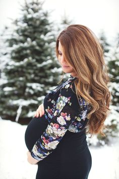 Winter Maternity Photo Session | Leah & Matt Mullett | Tifani Lyn Photography