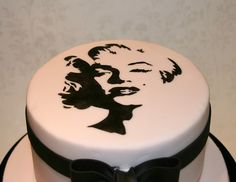 Close up of Marilyn by The Clever Little Cupcake Company (Amanda), via Flickr. Love this cake also!