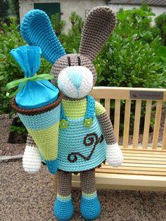 Back to School-Bunny Ina ♥ – Best Amigurumi Easter Crochet Patterns, Crochet Bunny Pattern, Crochet Rabbit, Loom Patterns, Knit Or Crochet, Crochet Scarves, Crochet Dolls, Crochet Humor, Holiday Crochet
