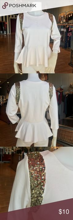 NWT // FOREVER 21 // PEPLUM SEQUIN TOP // M NEVER WORN. NWT. Adorable top with 3/4 length sleeves, flattering peplum shape, scoop neck and cute gold glitter accents on the shoulders. Size medium. Forever 21 Tops Blouses