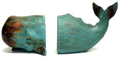 Made of heavy polyresin, painted in dark turquoise with a lightly distressed finish, this set of 2 Whale Bookends with their flipping tails will be a great gift for your favorite book lover. A beach b