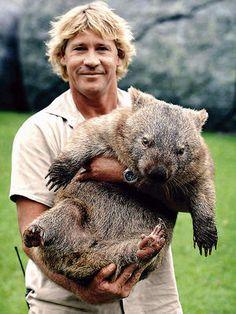 Aventureros que han hecho historia - Steve Irwin Celebridad televisiva. Murió mientras filmaba un documental bajo el mar.