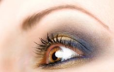 maquillar ojos marrones