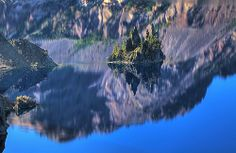 Phantom Ship - Crater Lake Crater Lake, Heaven On Earth, Travel Usa, Lakes, Oregon, Trips, River, Explore, Photo And Video