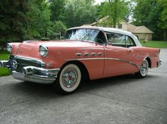 The 1956 Buick Century Convertible rocking the shades of Tango Pink! Retro Cars, Vintage Cars, Antique Cars, 50s Cars, Vintage Signs, 1956 Buick, Old Fashioned Cars, Convertible, Automobile