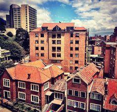 Sobre la Calle 51 con 4, en Pardo Rubio, localidad de Chapinero en Bogotá