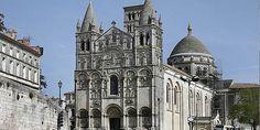 14. Poitou. Catedral de Angulema con temas de la ascensión.