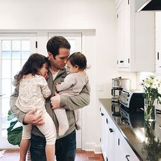 Dad baby, baby family и family goals. Cute Family, Baby Family, Family Goals, Family Kids, Dad Baby, Baby Kids, Cute Kids, Cute Babies, Fitz Huxley