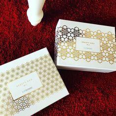 Ко мне пришли коробки красоты! Хотите откроем их онлайн в #periscope через 60 минут? В 14.30 встречаемся в #перископ на lolastylishfox by lola___fox