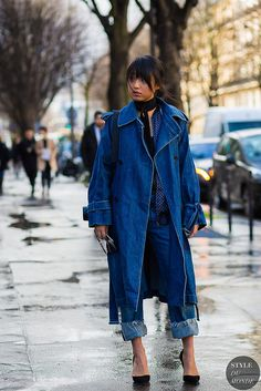 fashion week 2019 l NY fashion week l paris fashion l spring fashion week l street style inspo l valentines day outfit l what to wear l looks for women Look Street Style, Street Style 2016, Street Chic, Denim On Denim Looks, Denim Coat, Fashion Week, Fashion Looks, Fashion Trends, Style Fashion